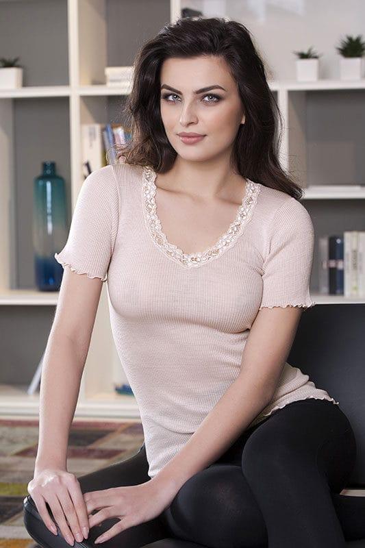 Madre Natura Alba Vejseli