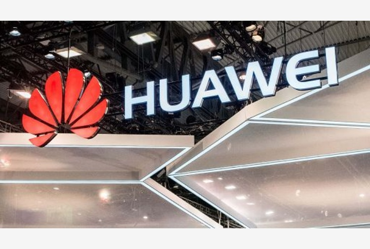 google sospende collaborazione Huawei