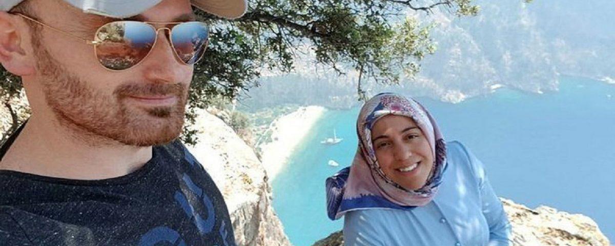 Semra Aysal selfie incidente