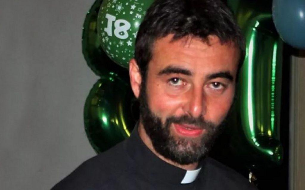 Don Riccardo Ceccobelli si 'confessa' ai fedeli di Massa Martana e lascia la tonaca: 'Sono innamorato' | Notizie Audaci